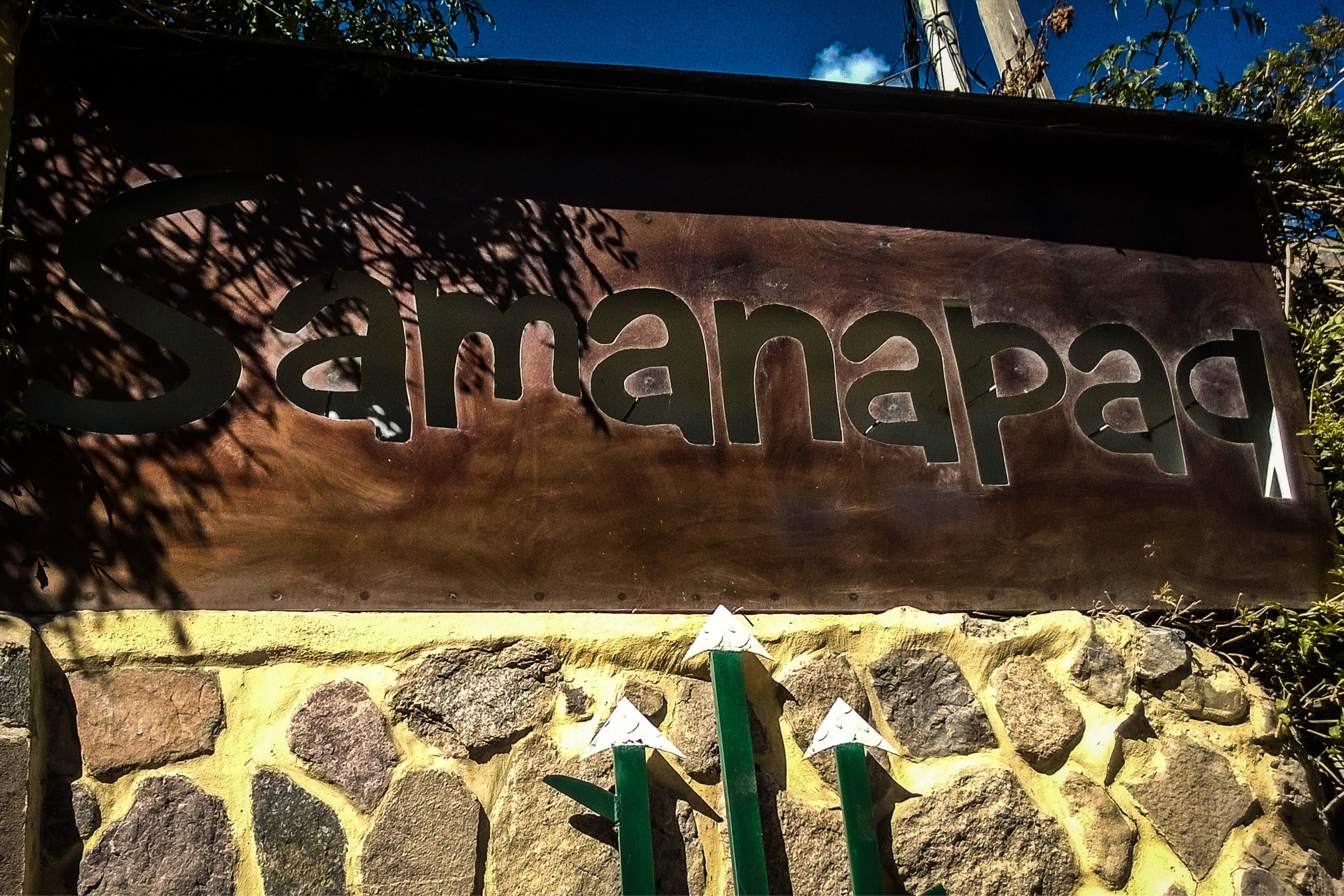 Hotel Samanapaq sign